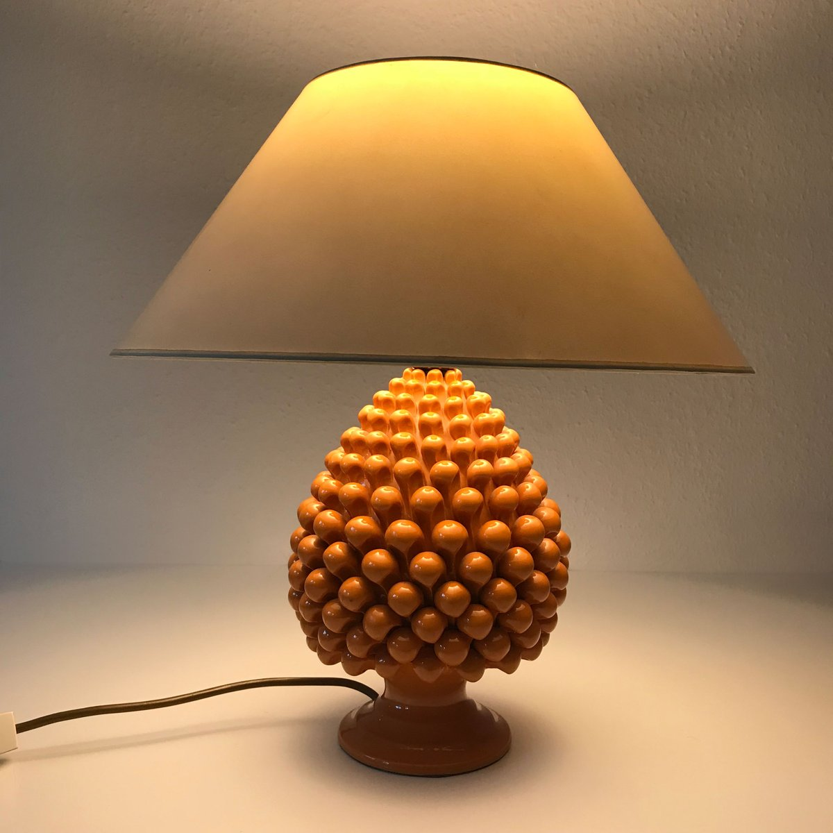 Vintage Pineapple Ceramic Table Lamp, 1970s for sale at Pamono