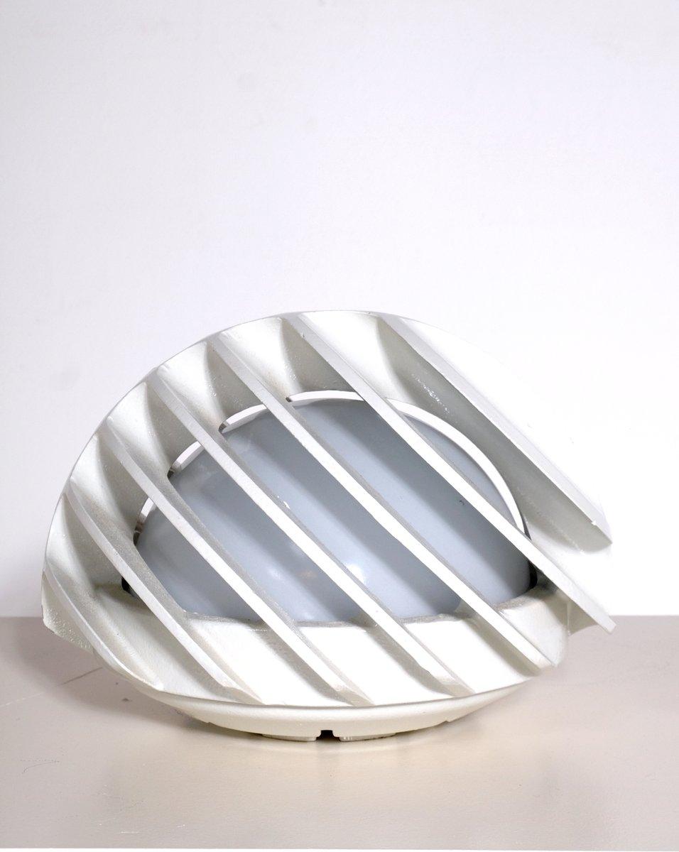 Französische Lampe aus Gusseisen und Opalglas, 1970er