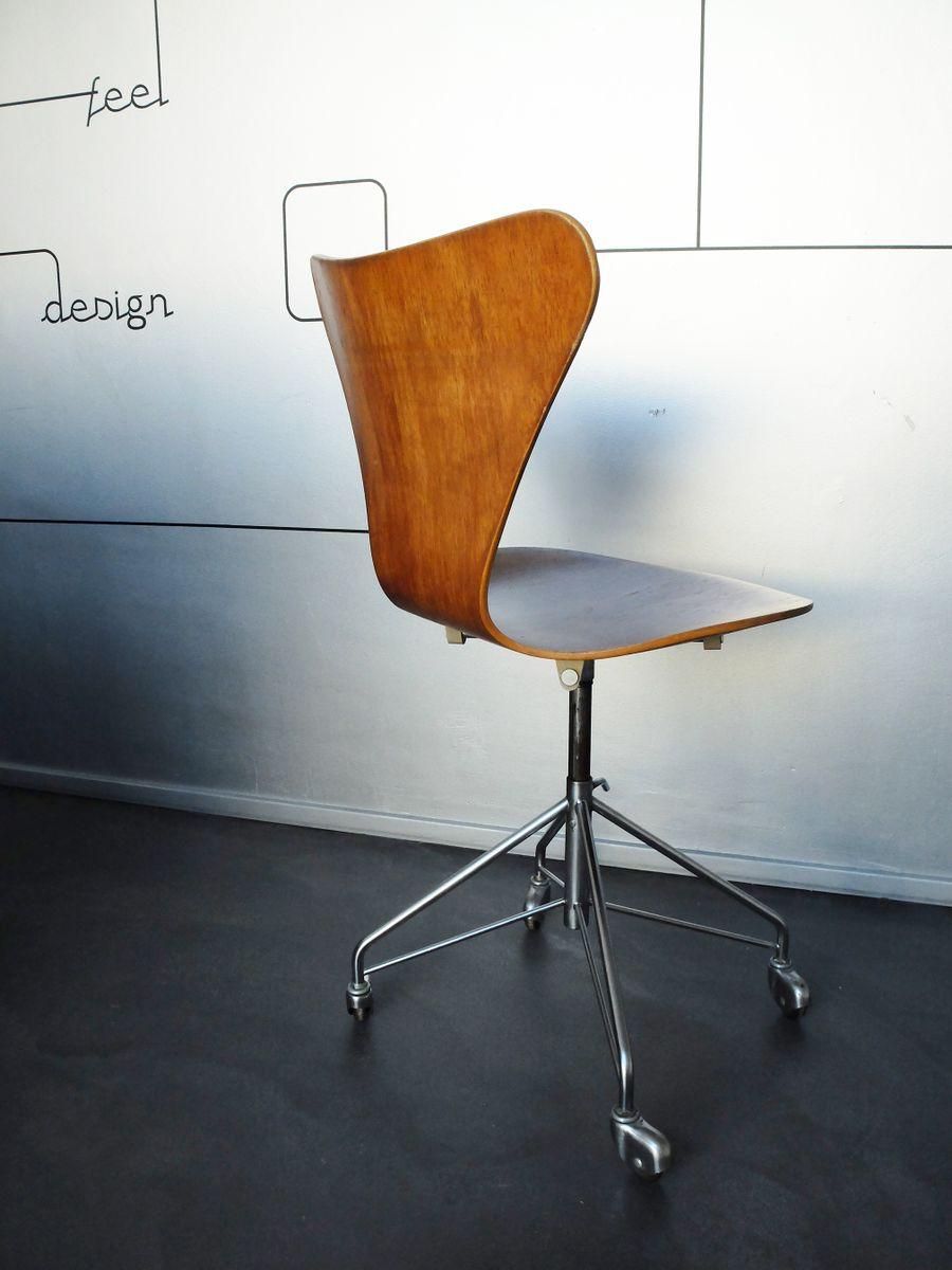 vintage 3117 b rostuhl von arne jacobsen f r fritz hansen 1969 bei pamono kaufen. Black Bedroom Furniture Sets. Home Design Ideas