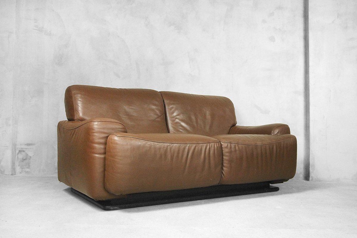 italienisches ledersofa von brunati 1970er bei pamono kaufen. Black Bedroom Furniture Sets. Home Design Ideas