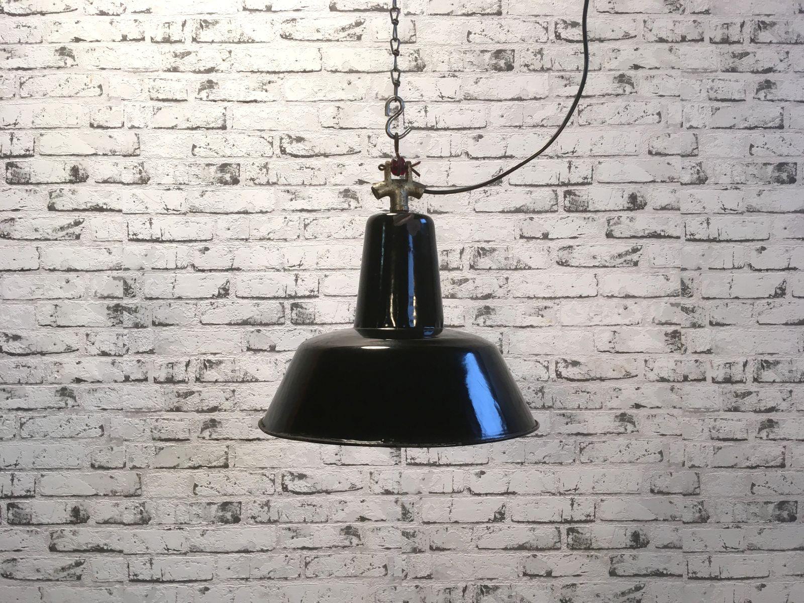 Schwarze industrielle Deckenlampe, 1940er