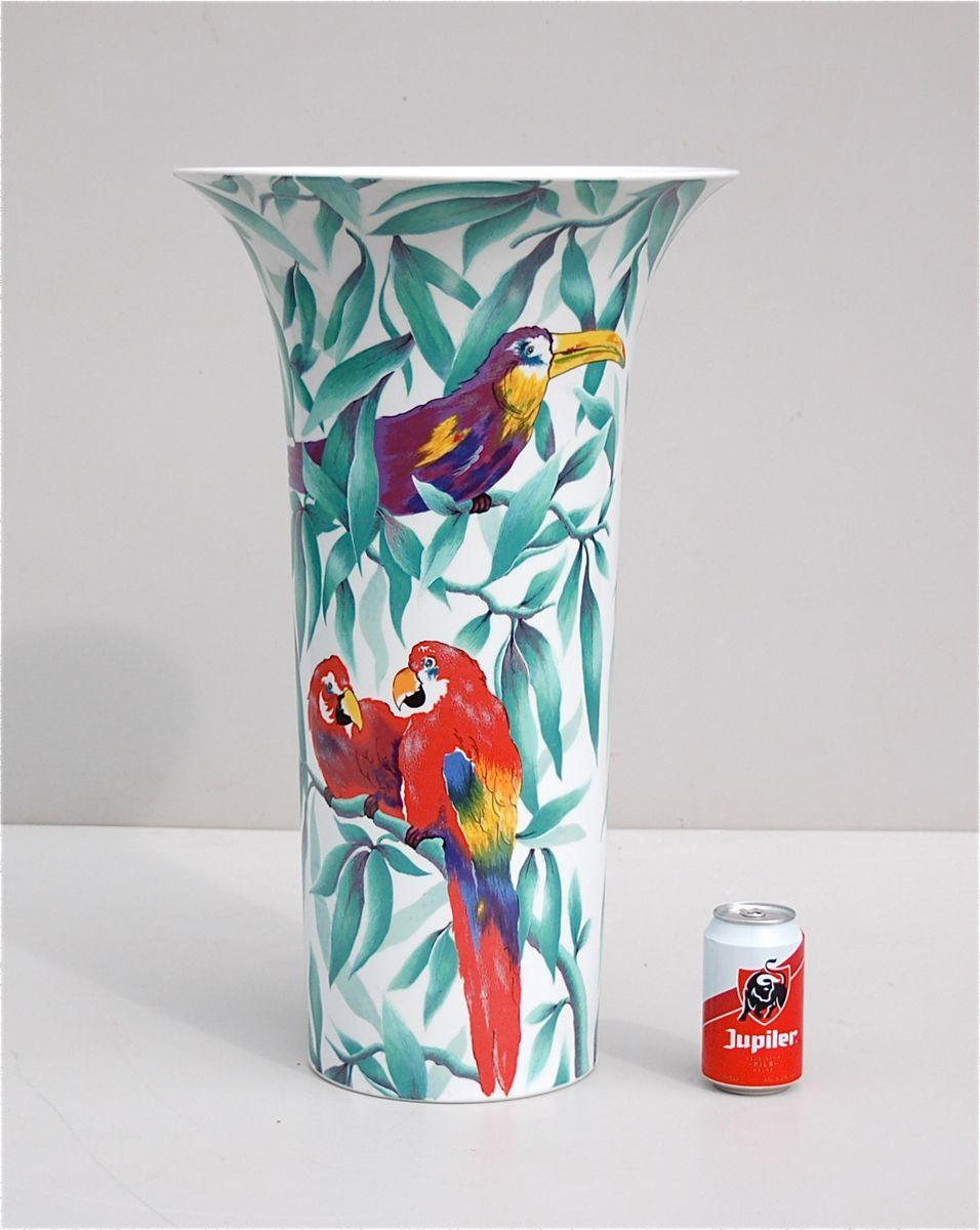 porzellan vase mit papagei von ak kaiser 1980er bei pamono kaufen. Black Bedroom Furniture Sets. Home Design Ideas