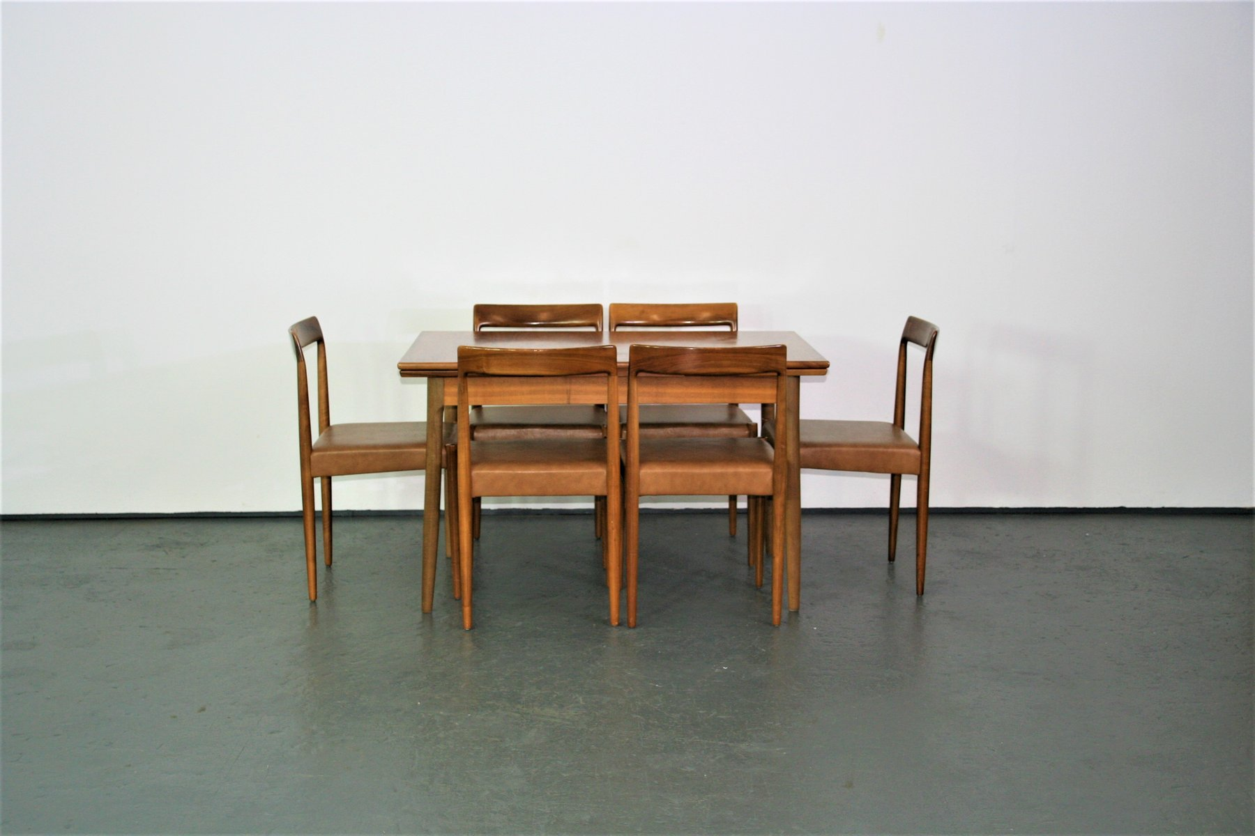 chaises de salon et table de salle manger extensible de lbke 1960s
