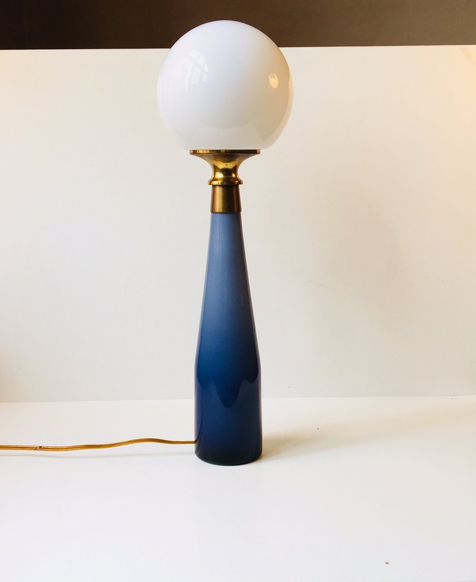 Vintage Nightblue Tischlampe aus unterfangenem Glas von Bent Nordsted ...
