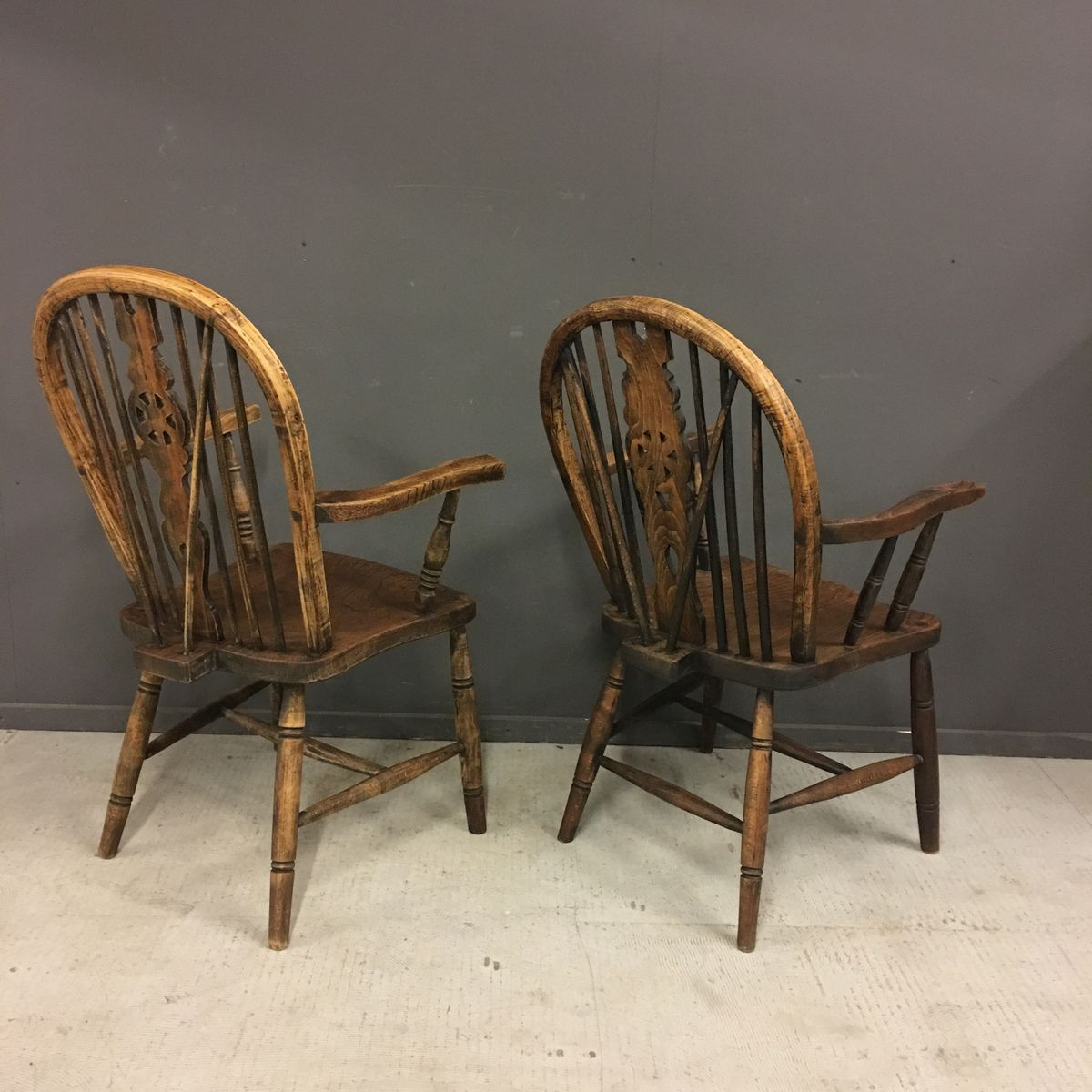 Price per set - Antique Windsor Chairs, Set Of 2 For Sale At Pamono