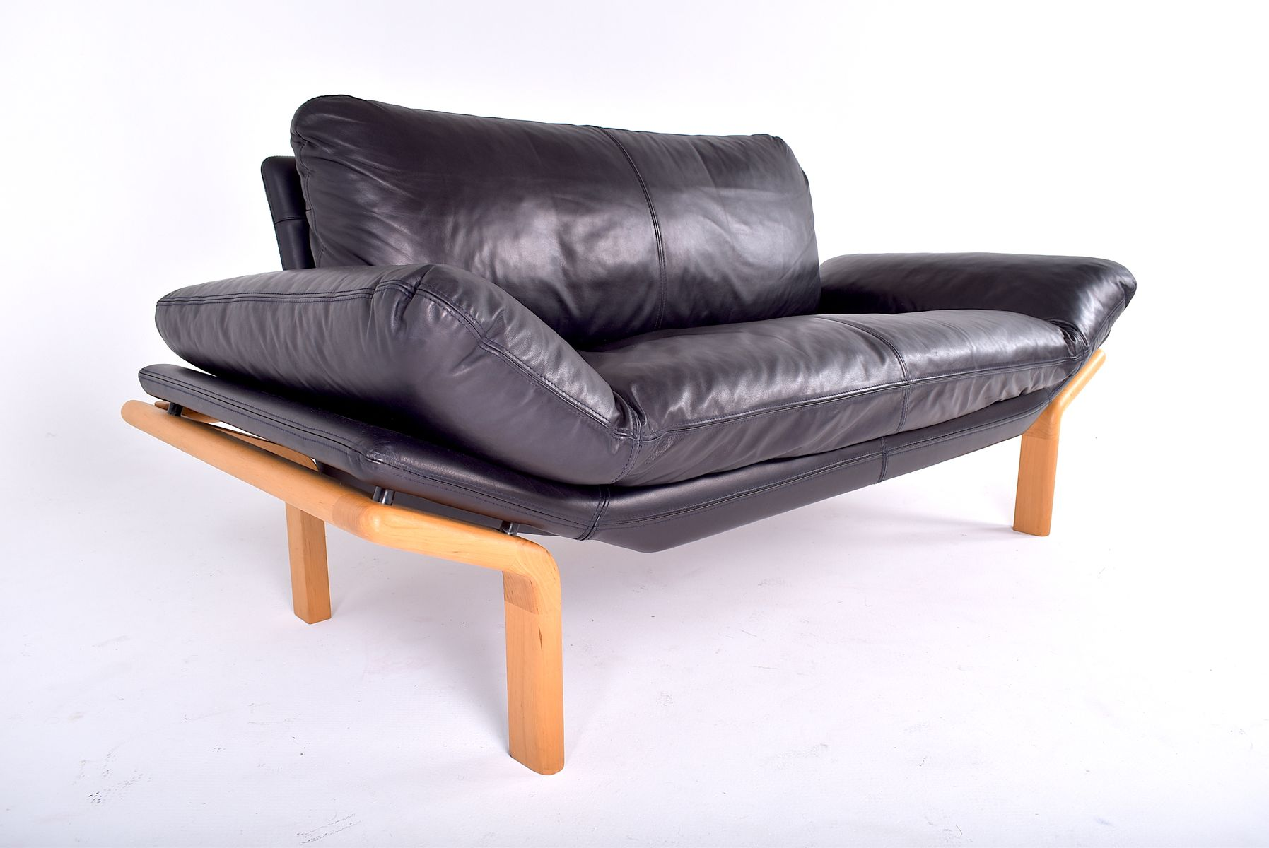 d nisches vintage 2 sitzer sofa von komfort bei pamono kaufen. Black Bedroom Furniture Sets. Home Design Ideas
