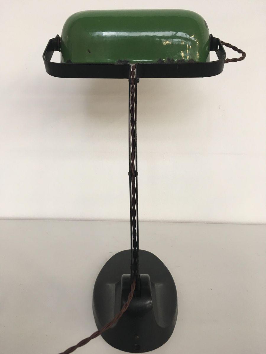 industrielle schreibtischlampe mit schirm aus gr ner emaille 1930er bei pamono kaufen. Black Bedroom Furniture Sets. Home Design Ideas