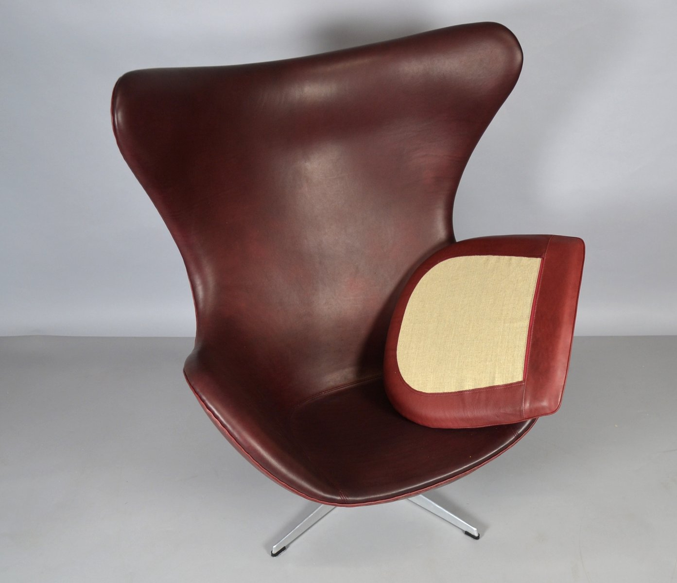 leather egg chair by arne jacobsen for fritz hansen 1965 for sale at pamono. Black Bedroom Furniture Sets. Home Design Ideas