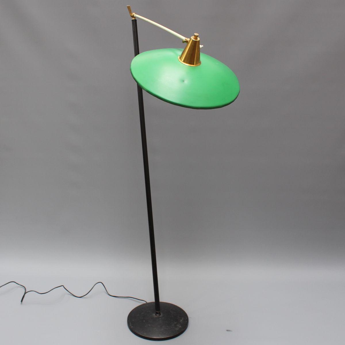 italienische standleuchte mit gelenkarmen und gr nem schirm von stilux milano 1950er bei pamono. Black Bedroom Furniture Sets. Home Design Ideas