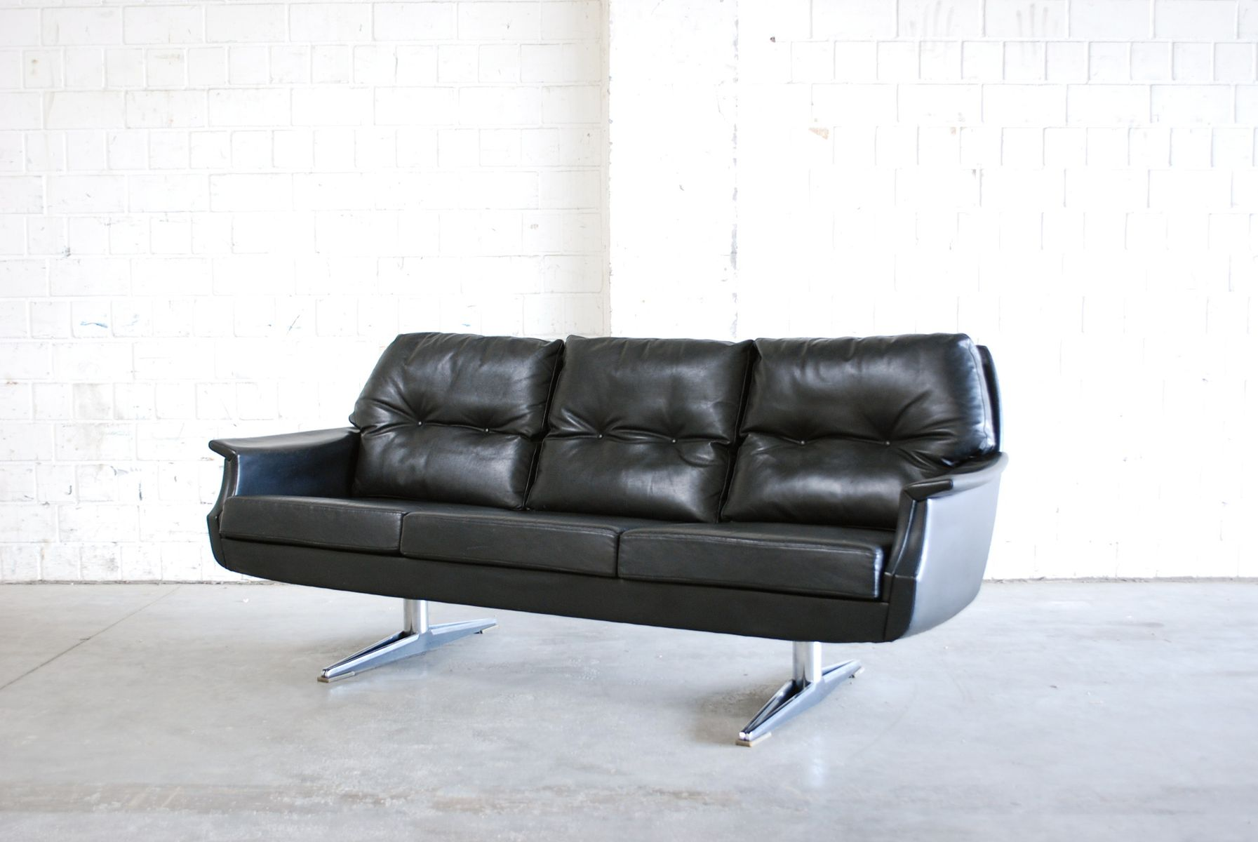 vintage leder sofa 1970er bei pamono kaufen. Black Bedroom Furniture Sets. Home Design Ideas
