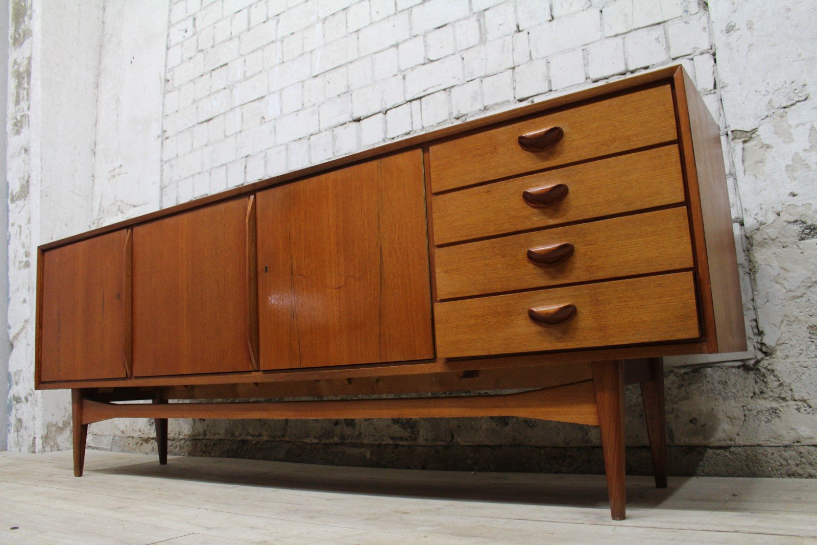 d nisches teak sideboard 1960er bei pamono kaufen. Black Bedroom Furniture Sets. Home Design Ideas