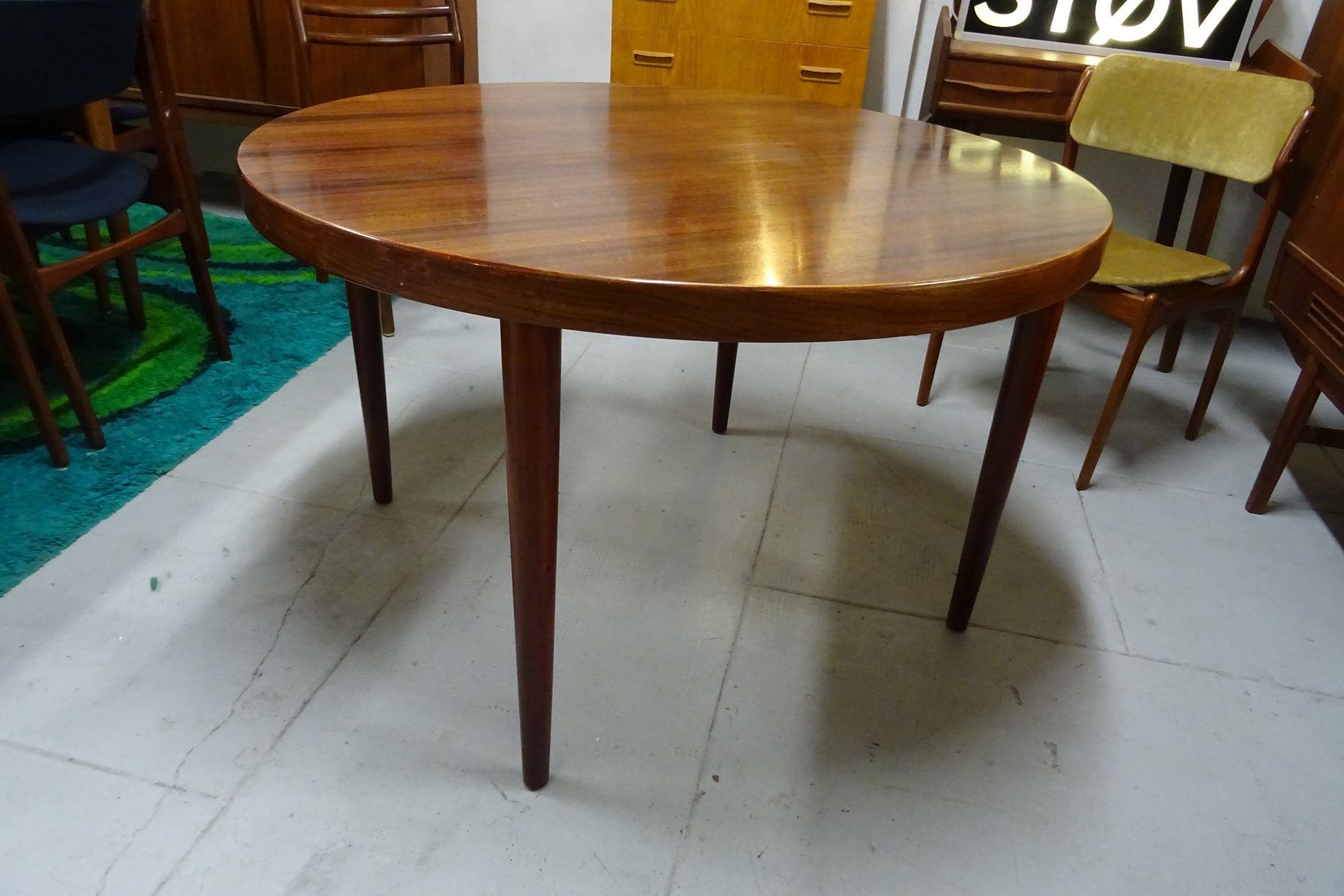 runder ausziehbarer vintage tisch aus palisander von kai kristiansen f r skovmand andersen bei. Black Bedroom Furniture Sets. Home Design Ideas
