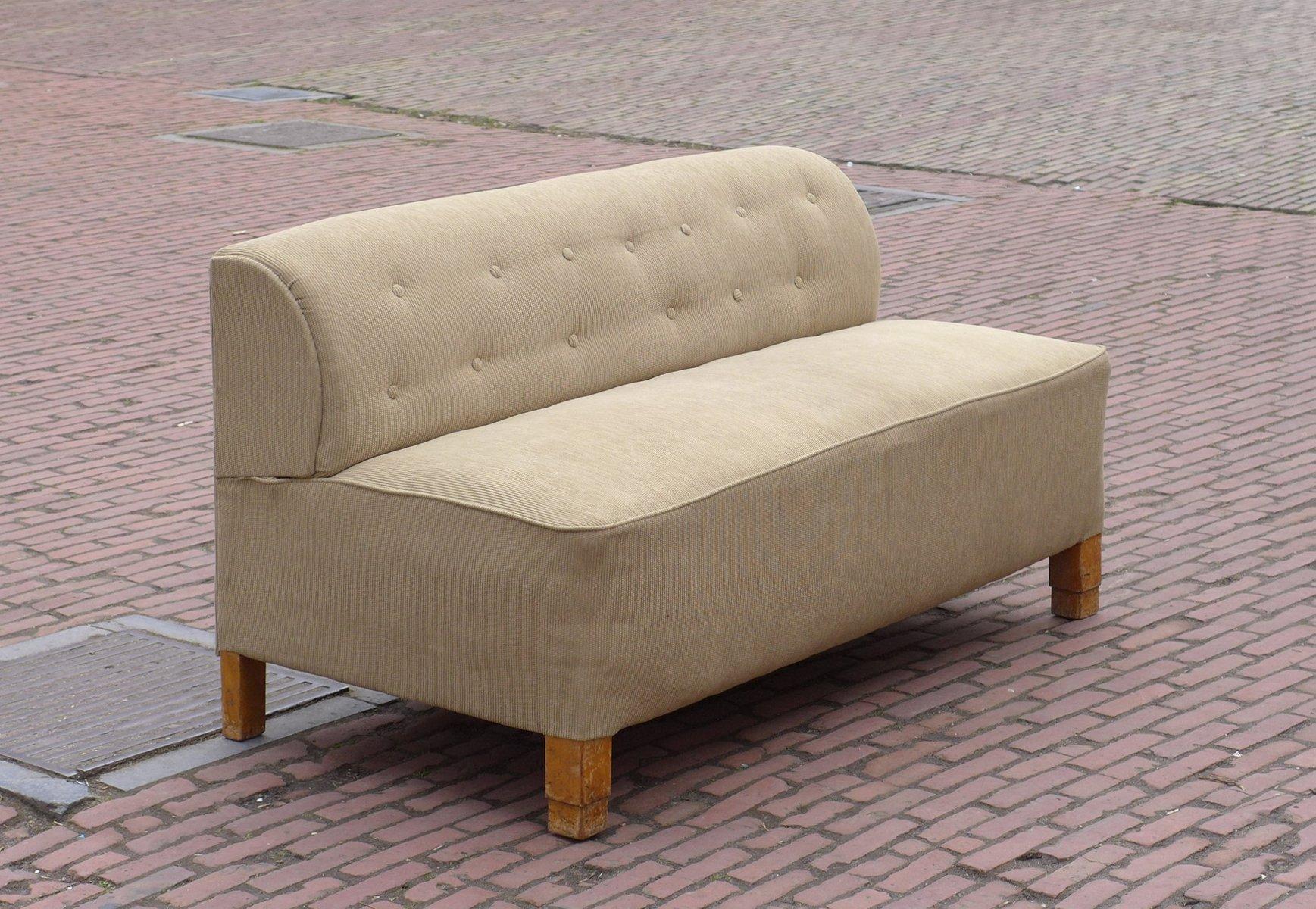canap art d co beige en vente sur pamono. Black Bedroom Furniture Sets. Home Design Ideas