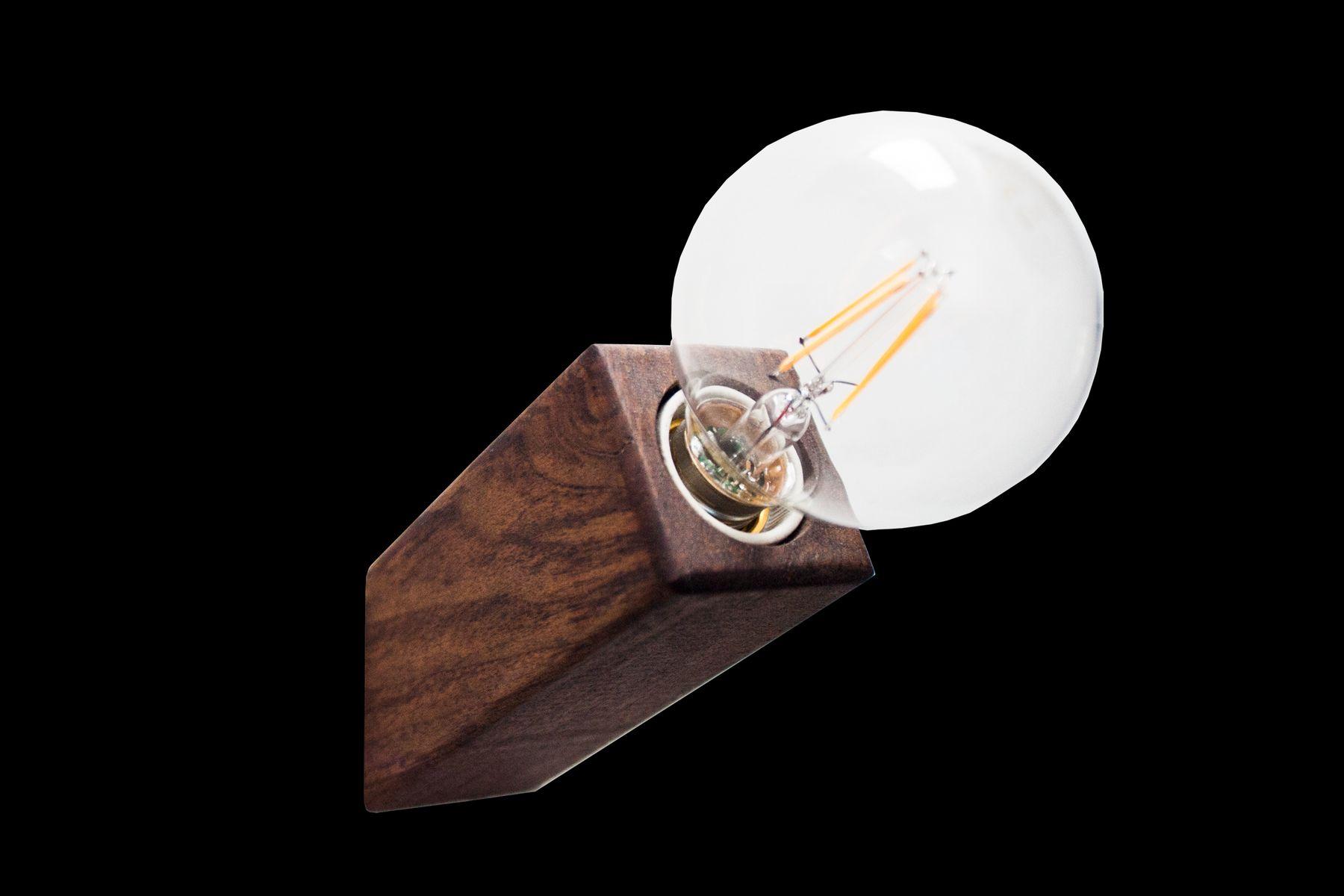 Pirn Wandlampe aus Walnuss von Andrea Pregl für Ulap design