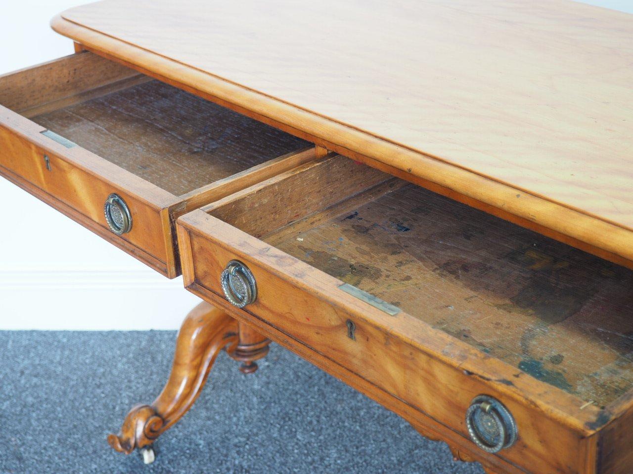 antiker seiden birkenholz schreibtisch 1870er bei pamono kaufen. Black Bedroom Furniture Sets. Home Design Ideas