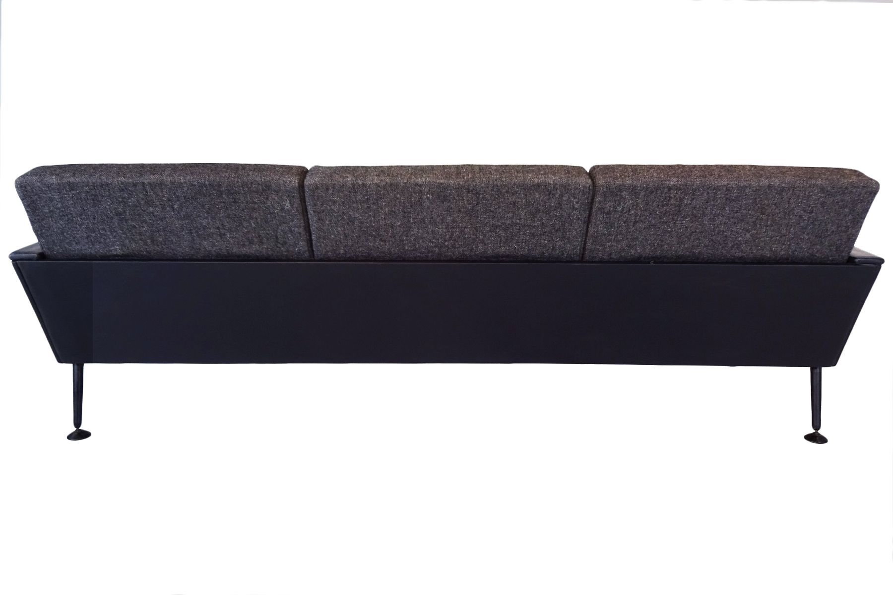 R57 3 sitzer sofa aus stoff leder von ernest race for Sofa 4 sitzer stoff