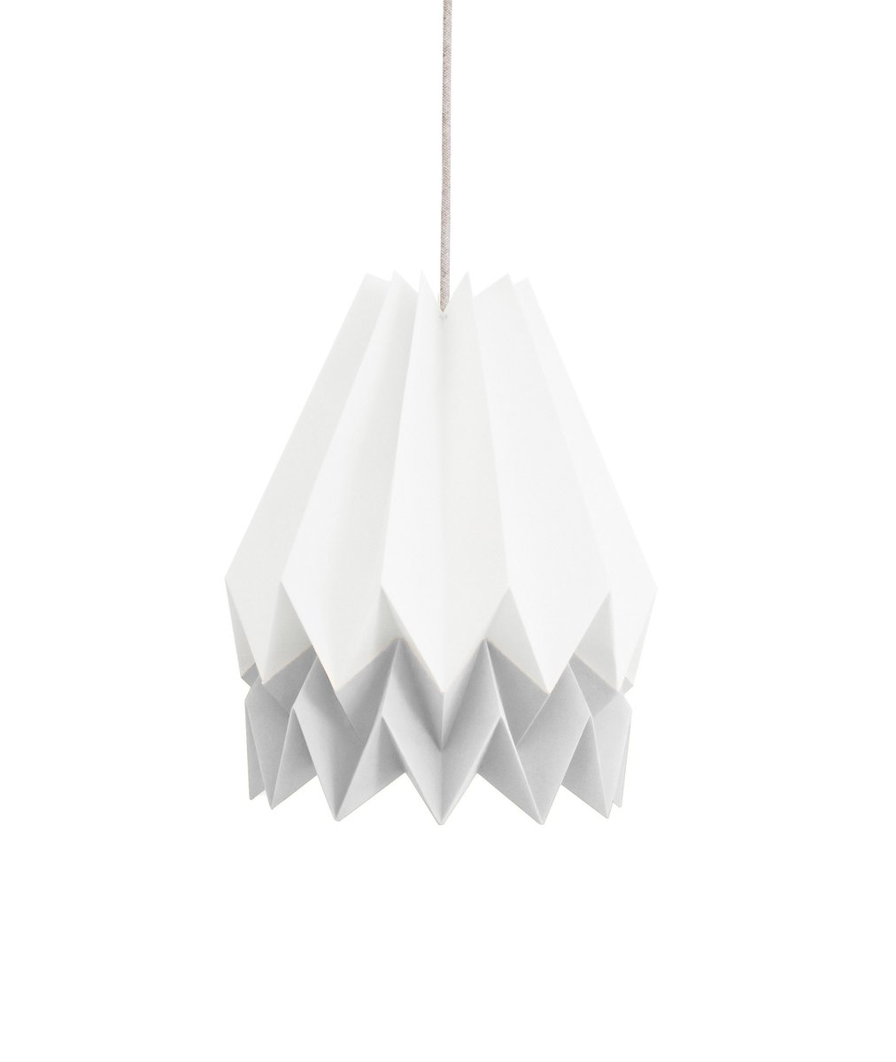 Polarweiße Origami Lampe mit hellgrauem Streifen von Orikomi