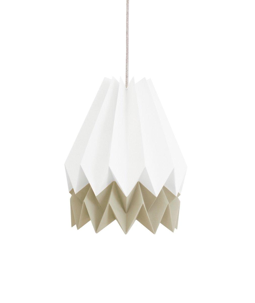 Polarweiße Origami Lampe mit graubraunem Streifen von Orikomi