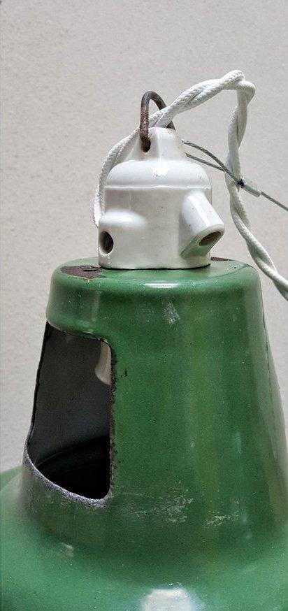 Lampade vintage industriali smaltate verdi di Wardle of Manchester, set di 2 in vendita su Pamono