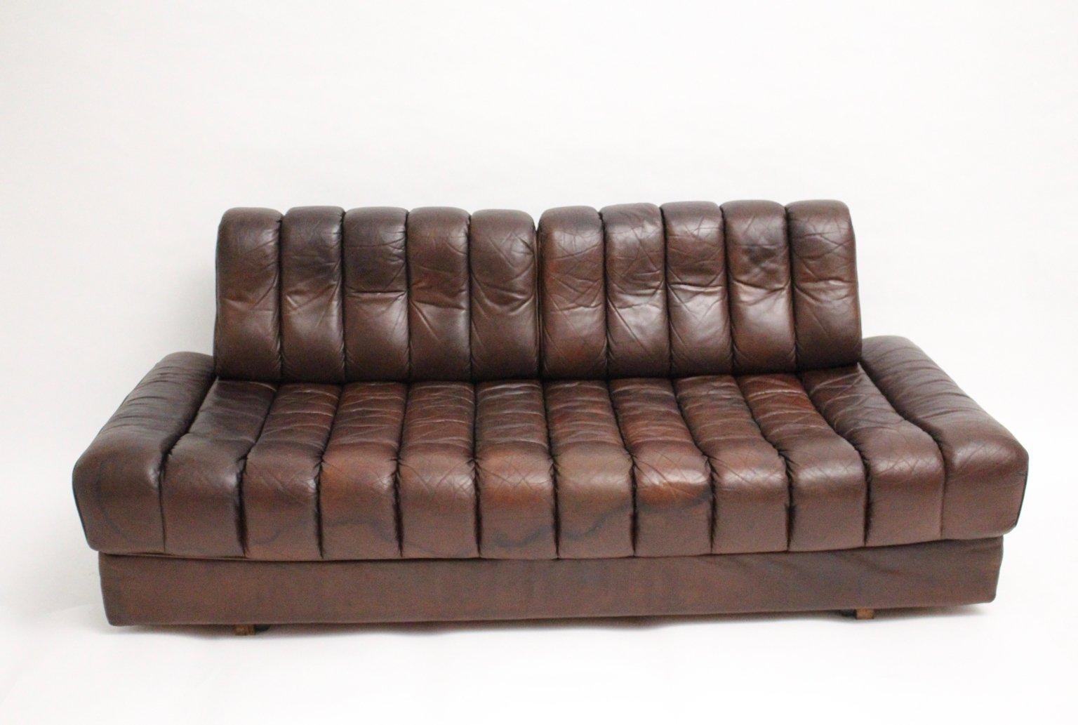Sof cama de cuero de de sede a os 70 en venta en pamono - Camas de cuero ...