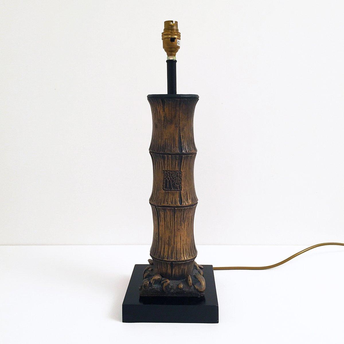 tischlampe aus geschnitztem holz in bambus optik 1970er bei pamono kaufen. Black Bedroom Furniture Sets. Home Design Ideas