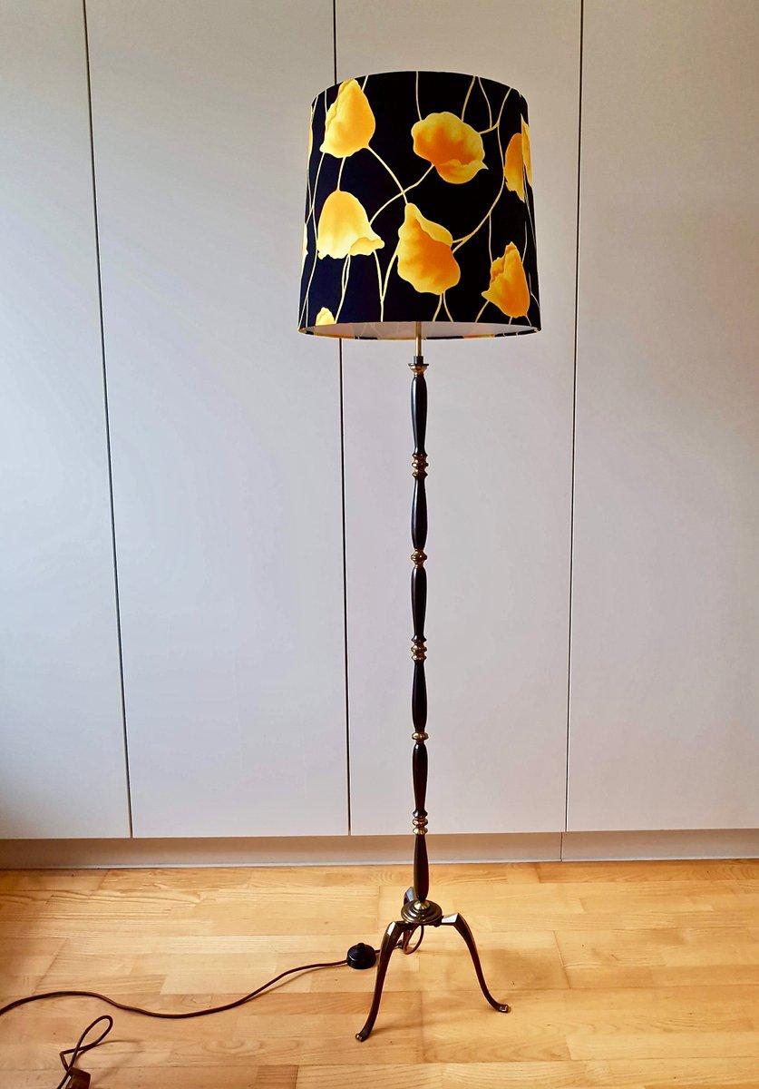 kupfer stehlampe mit dreibein und mehrfarbigem schirm 1950er bei pamono kaufen. Black Bedroom Furniture Sets. Home Design Ideas