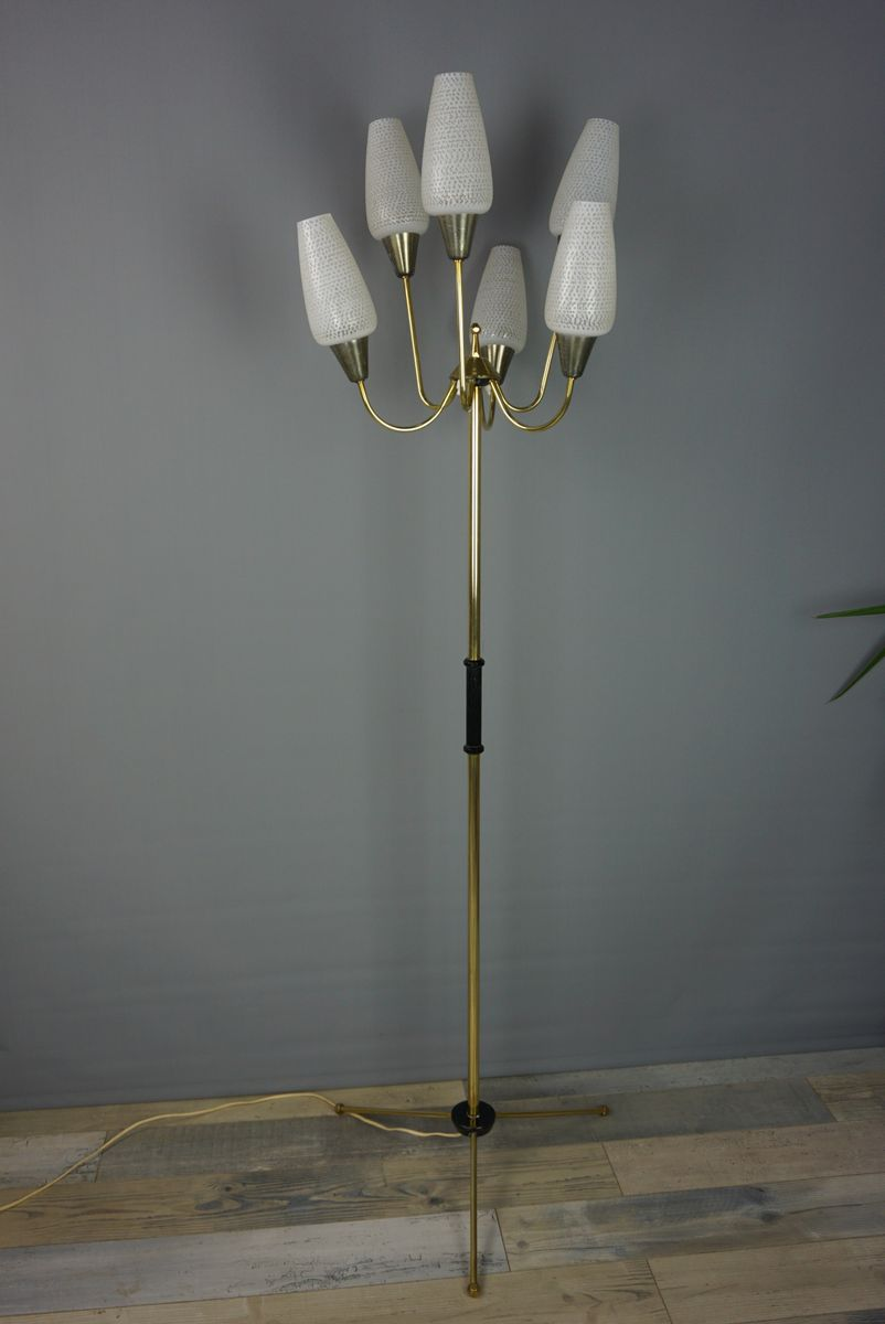 Stehlampe mit Dreibein aus Messing und Opalglas, 1950er