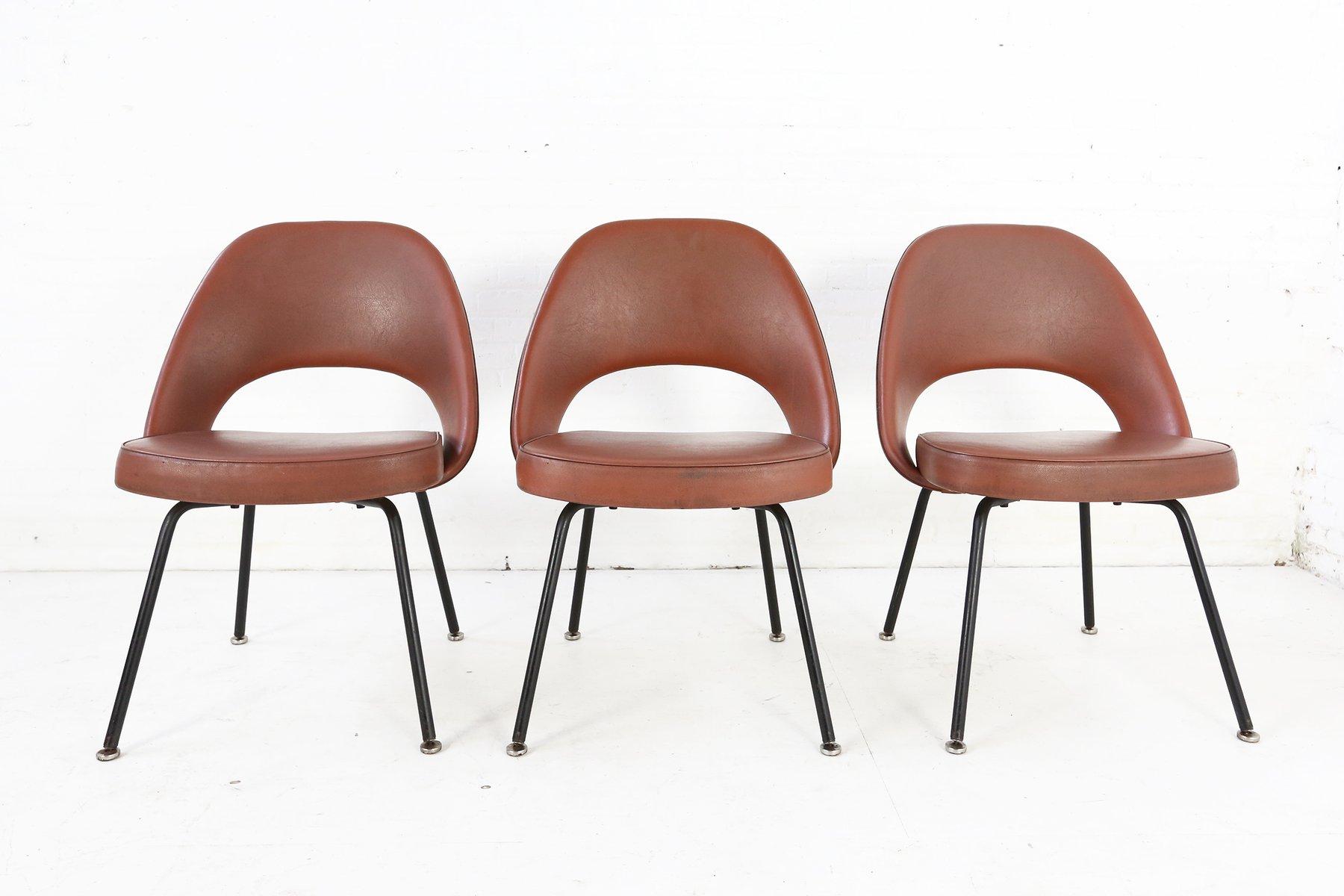 Chaise sans bras s rie 71 par eero saarinen pour knoll international 1960s en vente sur pamono - Tavolo saarinen knoll originale ...