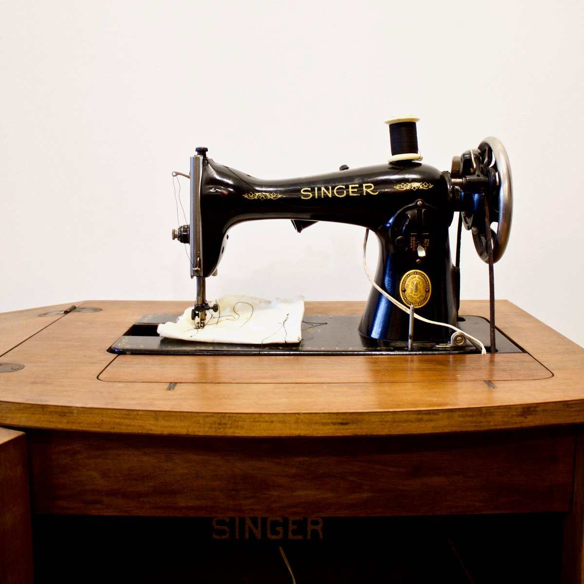 how to make a singer sewing machine cabinet