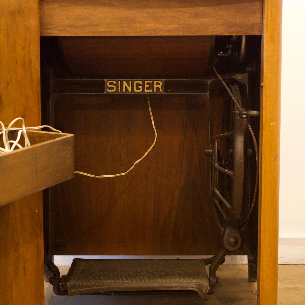 Mueble para m quina de coser de singer a os 50 en venta for Mueble para maquina de coser