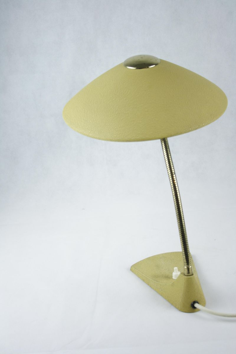 lampe de bureau col de cygne mid century laqu jaune en vente sur pamono. Black Bedroom Furniture Sets. Home Design Ideas