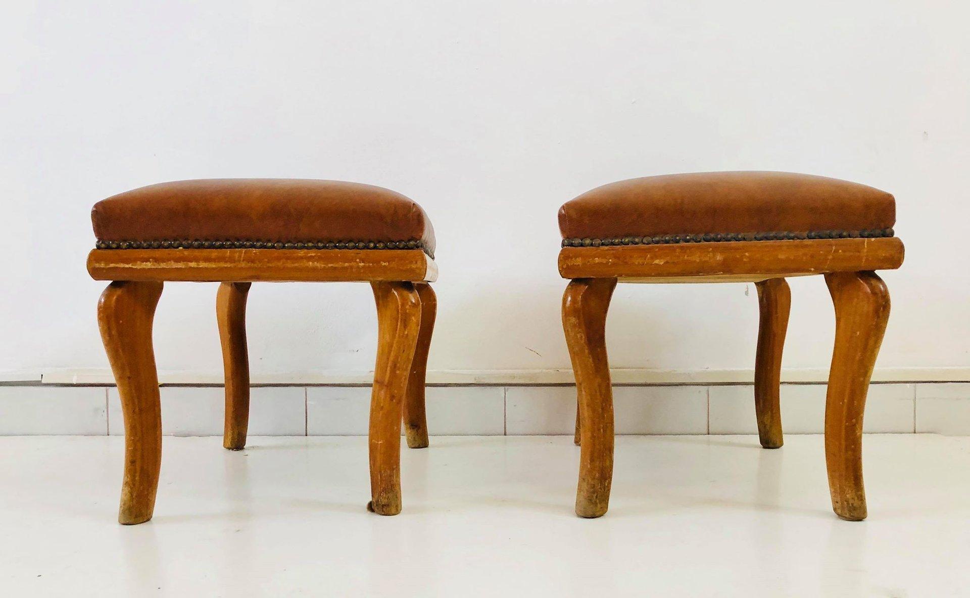 italienische vintage sessel mit ottomanen von paolo buffa 1950er 2er set bei pamono kaufen. Black Bedroom Furniture Sets. Home Design Ideas