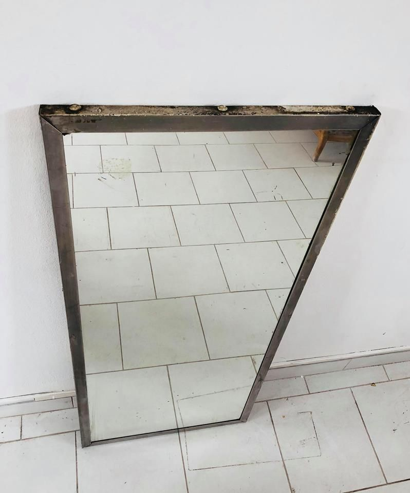Industrieller italienischer Spiegel mit Metallrahmen, 1960er bei ...