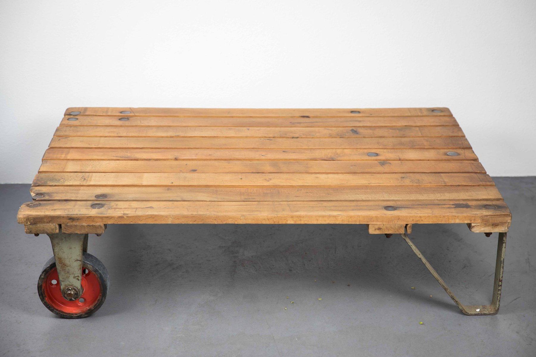 vintage paletten couchtisch bei pamono kaufen. Black Bedroom Furniture Sets. Home Design Ideas