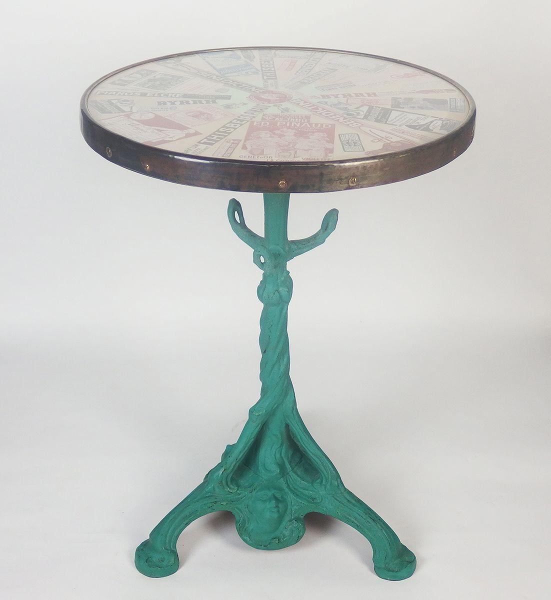 Antiker Französischer Bistrotisch mit Glasplatte