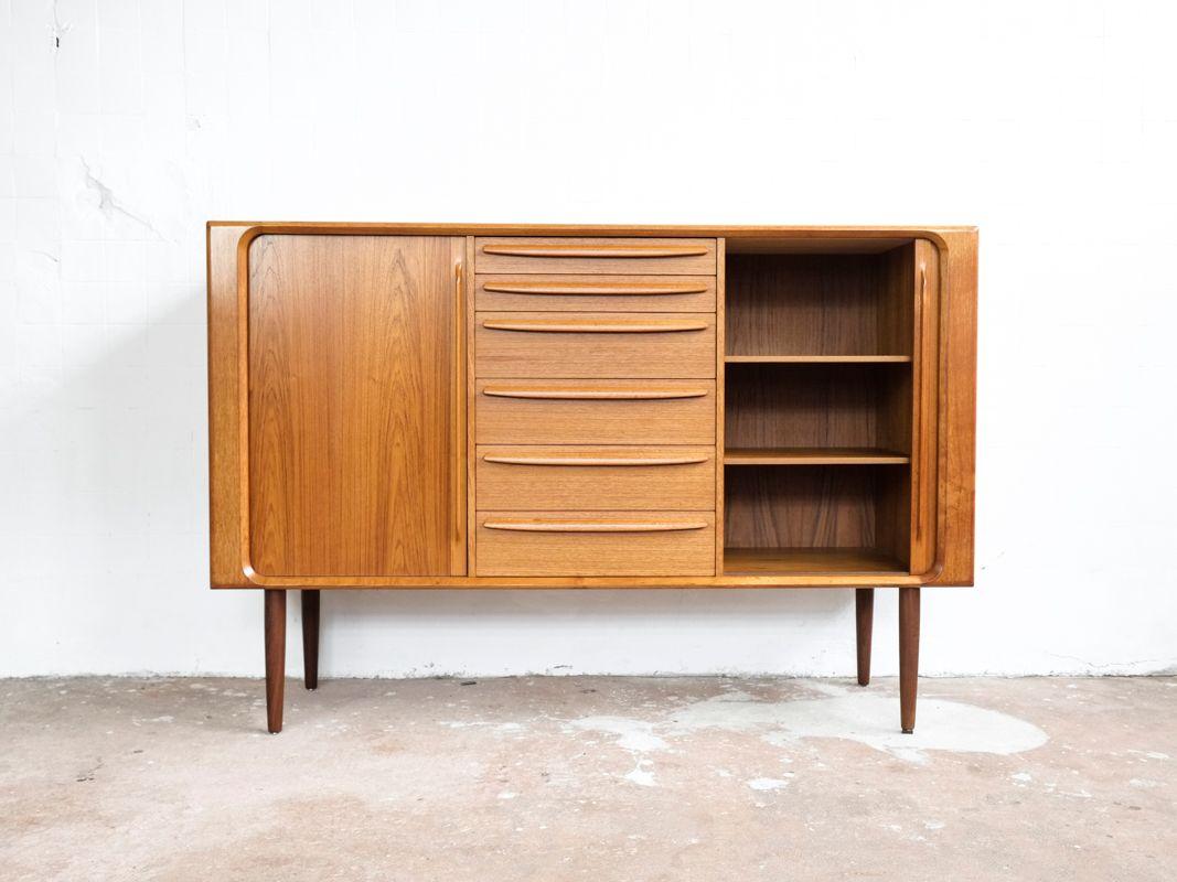 buffet haut vintage en teck avec portes tambour danemark en vente sur pamono. Black Bedroom Furniture Sets. Home Design Ideas
