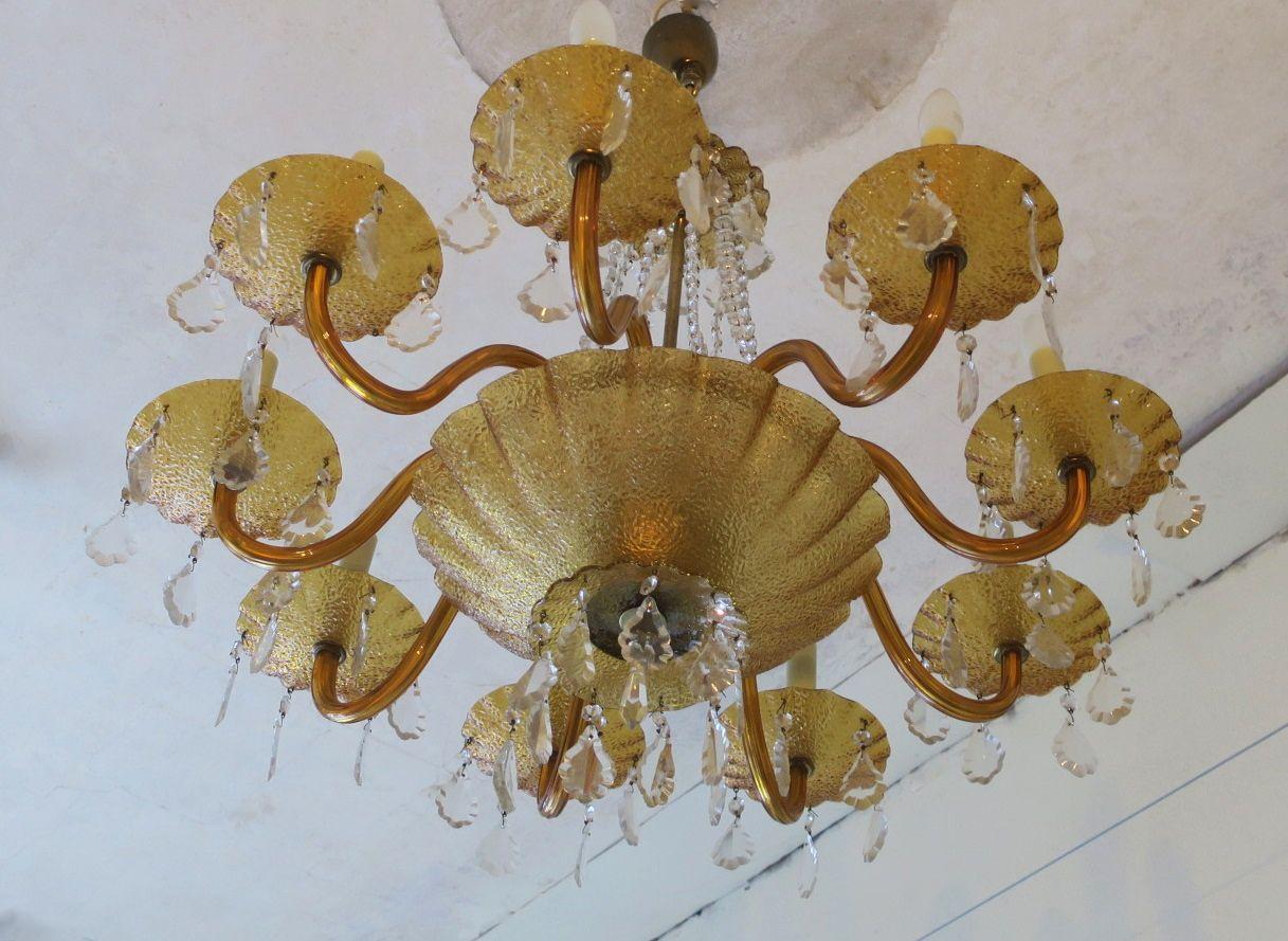 grand lustre huit bras en verre ambr et laiton 1960s en vente sur pamono. Black Bedroom Furniture Sets. Home Design Ideas