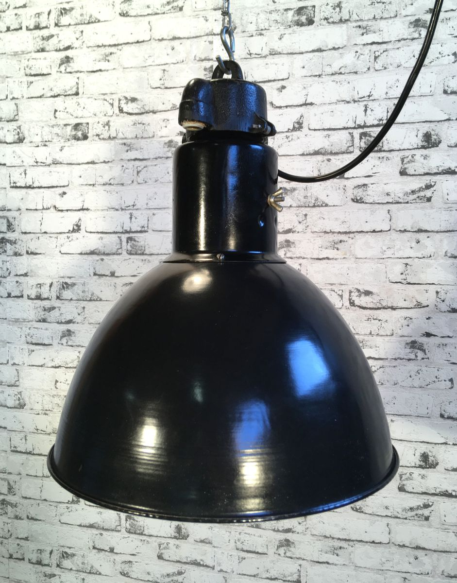 lampe suspension bauhaus industrielle maill e 1930s en vente sur pamono. Black Bedroom Furniture Sets. Home Design Ideas