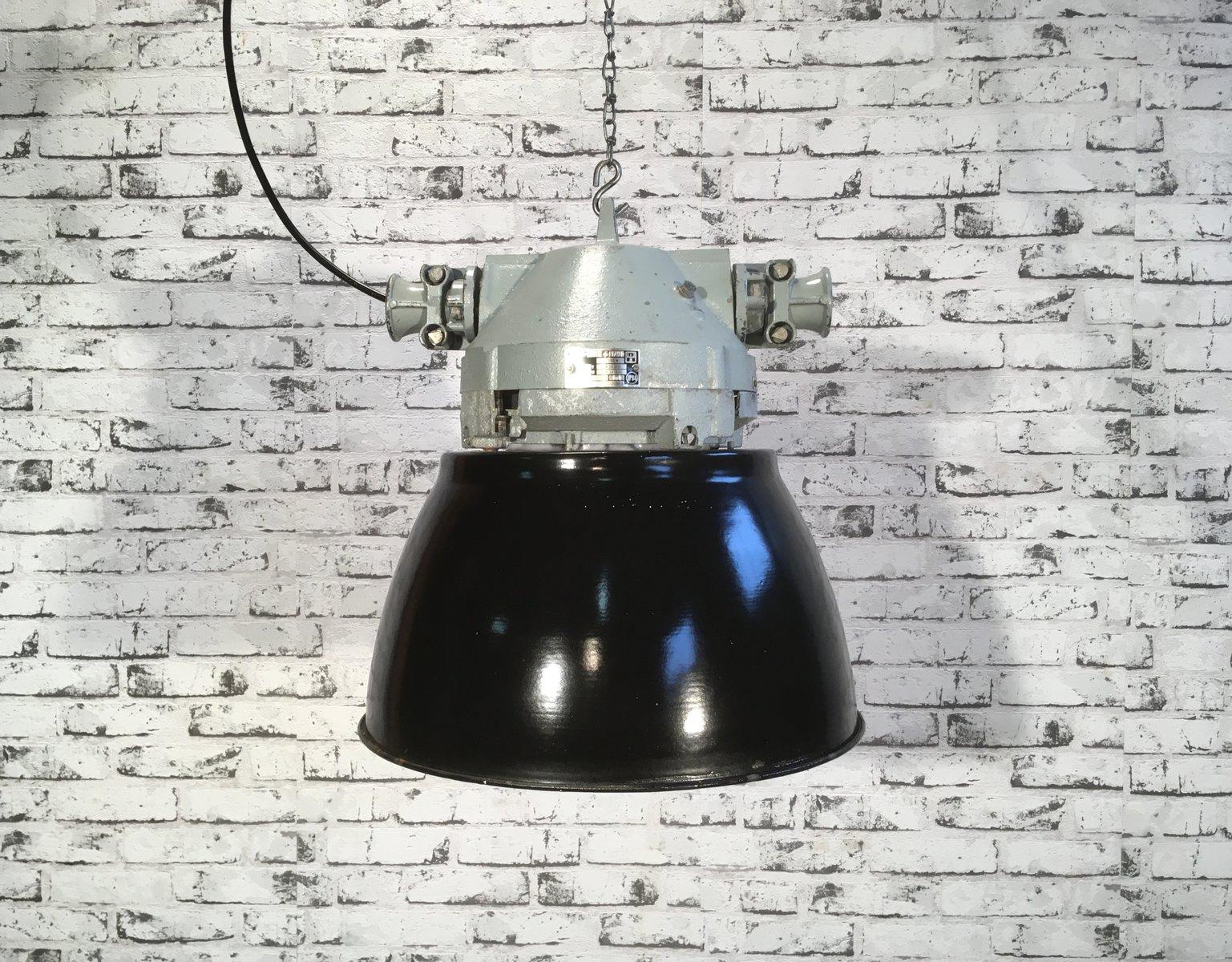 Explosionssichere graue Vintage Aluminium Lampe mit schwarzer Emaille ...