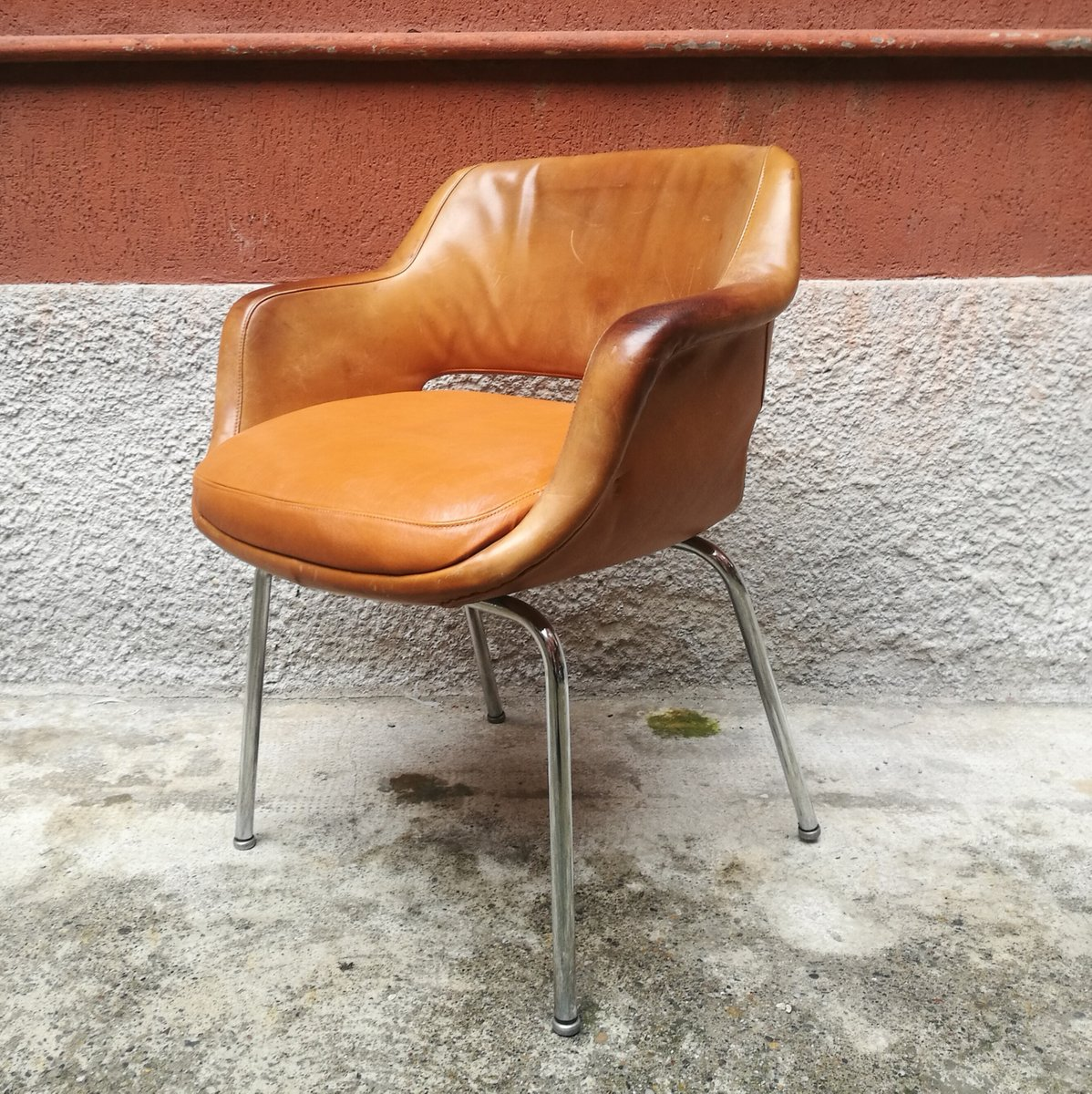 Sedia da scrivania in pelle di cassina anni 39 60 in for Sedia da scrivania design