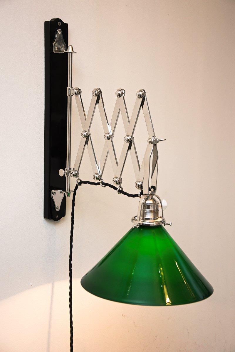 applique murale art d co ajustable nickel en verre opalin vert 1920s en vente sur pamono. Black Bedroom Furniture Sets. Home Design Ideas