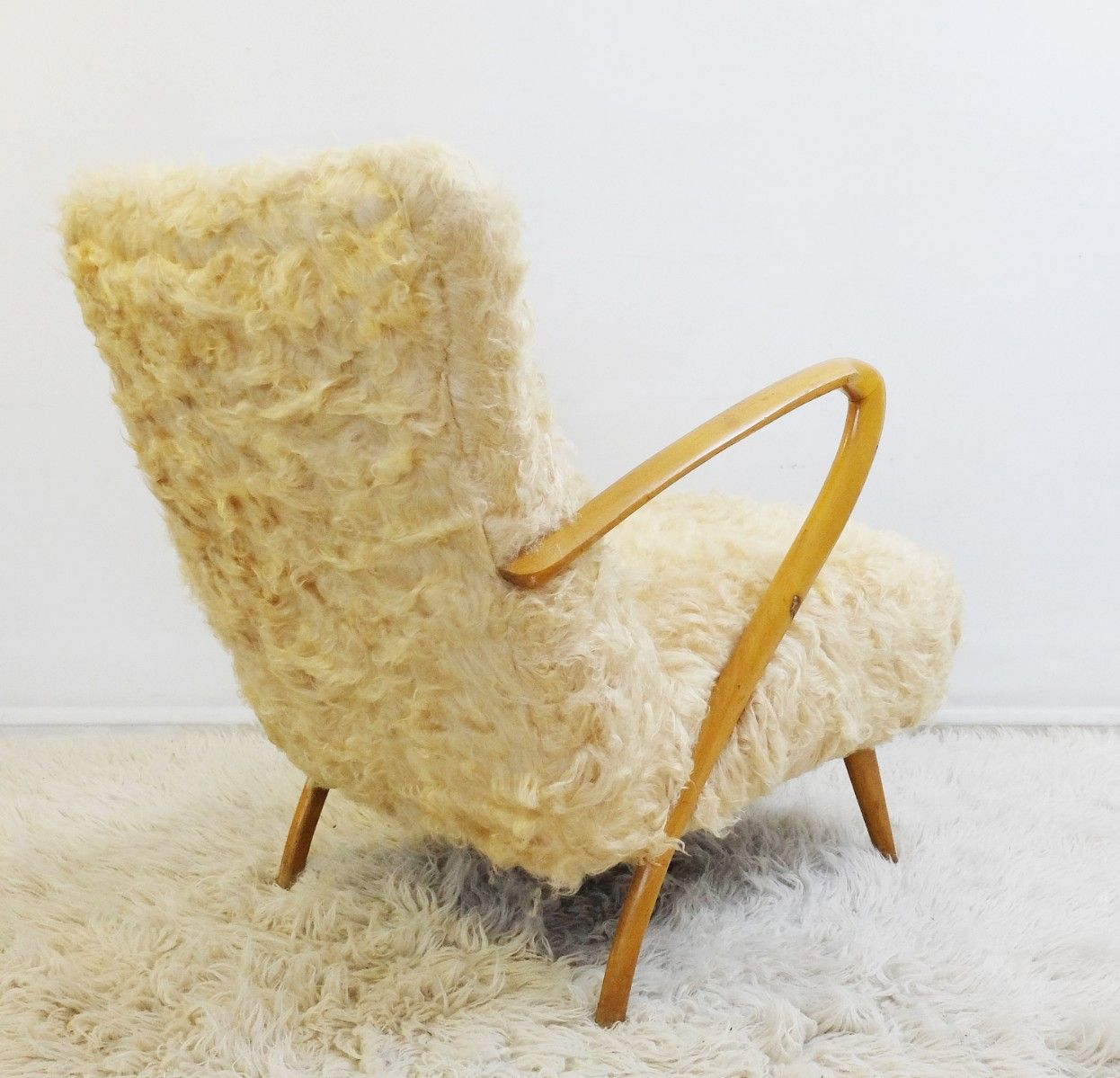 fauteuils vintage en fausse fourrure par guglielmo ulrich 1950s set de 2 en vente sur pamono. Black Bedroom Furniture Sets. Home Design Ideas