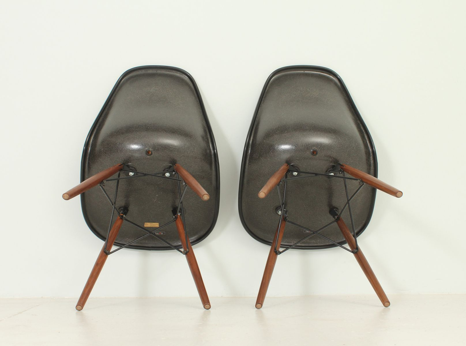 vintage dsw chairs by charles and ray eames for herman miller set of 2 for sale at pamono. Black Bedroom Furniture Sets. Home Design Ideas