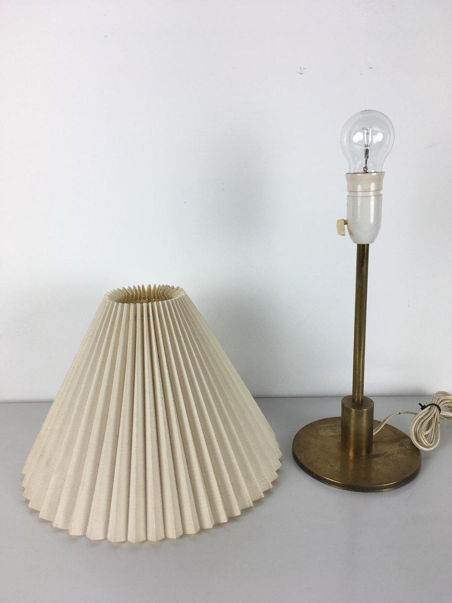 Lampada da tavolo con base in ottone di kaare klint per le klint danimarca anni 39 60 in vendita - Base lampada da tavolo ...