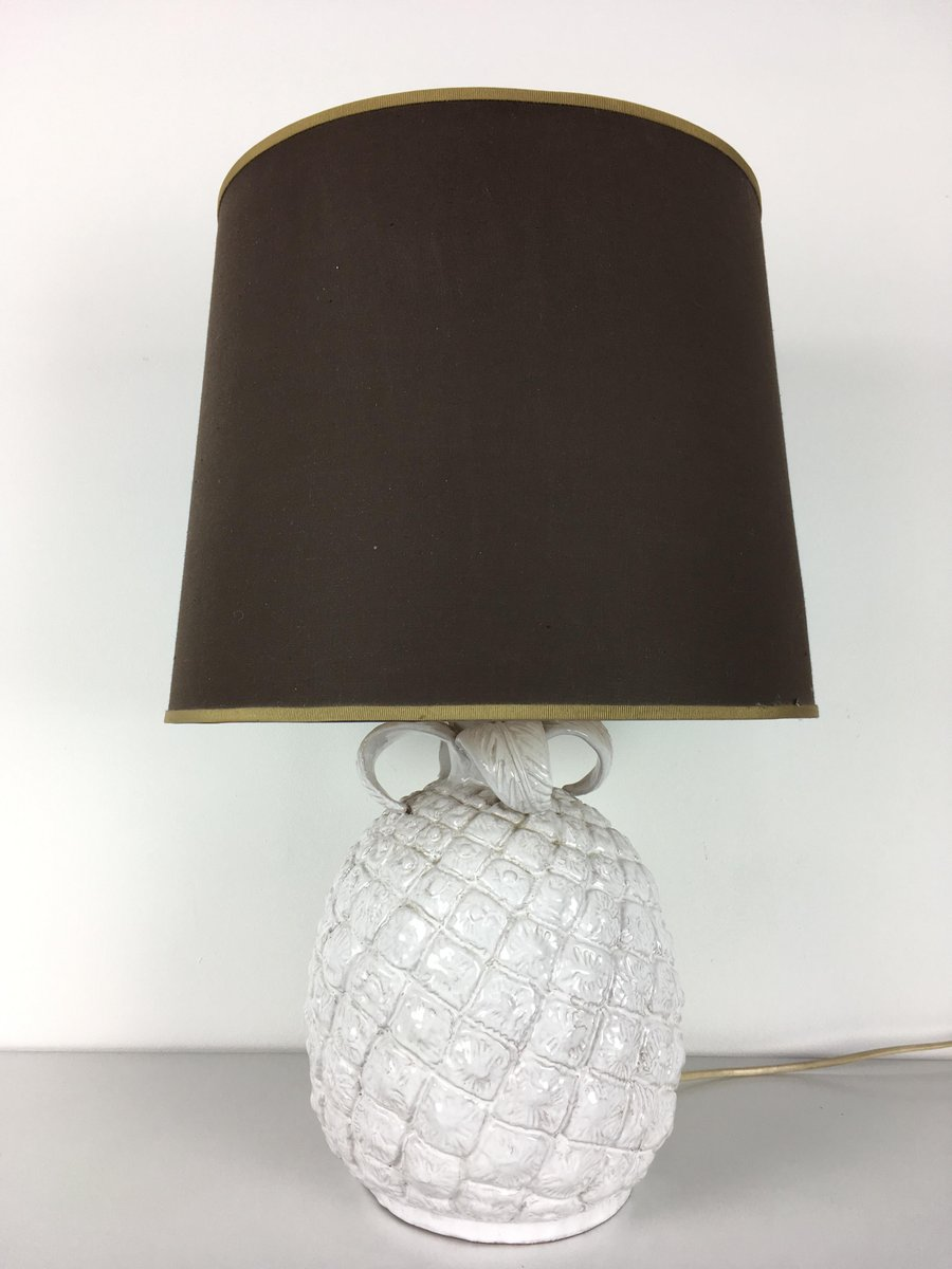 lampe de bureau ananas en c ramique blanche italie 1960s en vente sur pamono. Black Bedroom Furniture Sets. Home Design Ideas