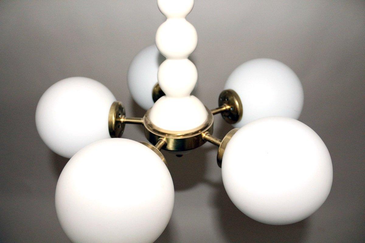 wei lackierter holz opalglas kronleuchter von orion 1960er bei pamono kaufen. Black Bedroom Furniture Sets. Home Design Ideas
