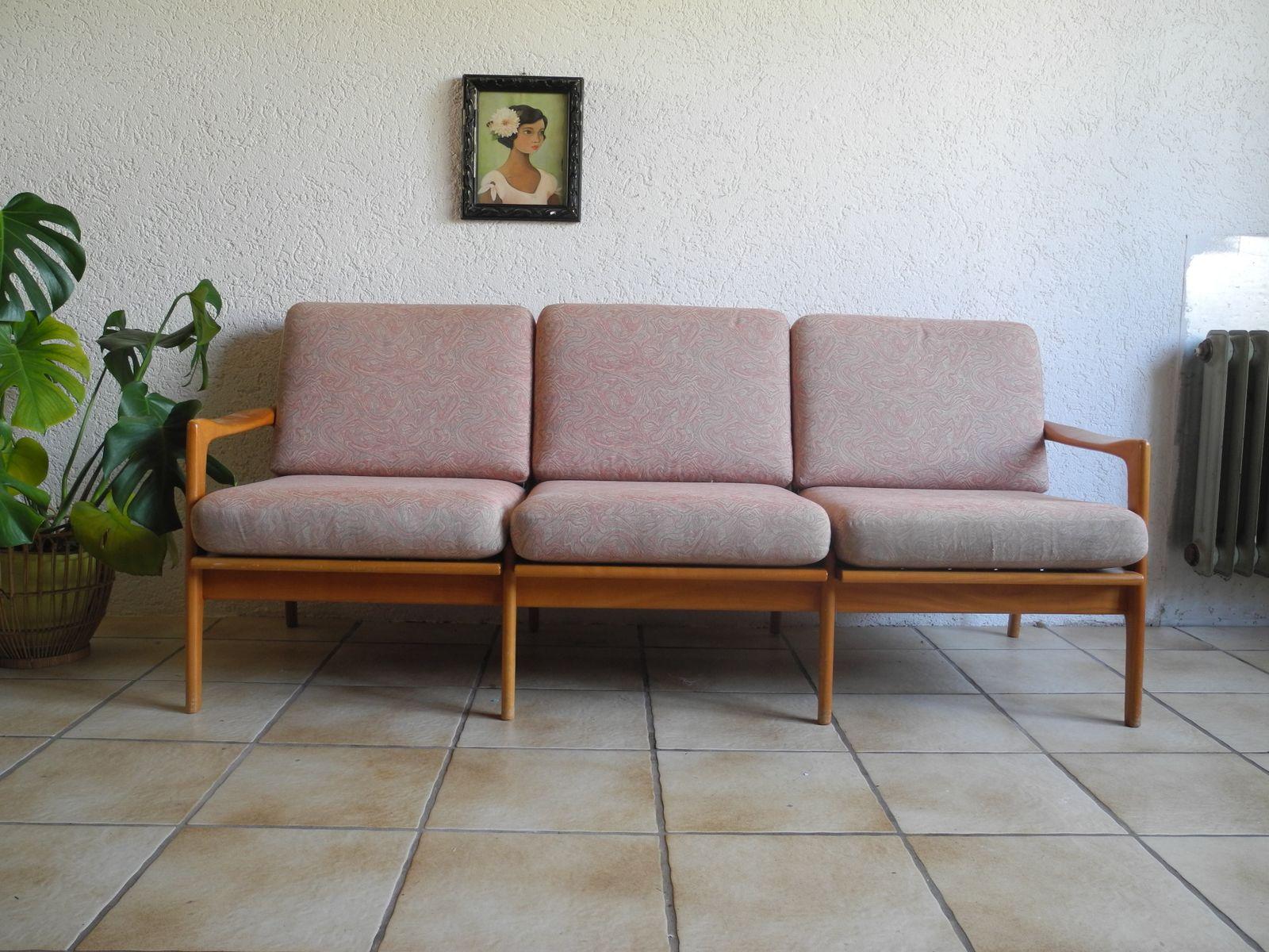 Divano Rosa Cipria : Divano letto posti rosa divano rosa divano rosa nella parte