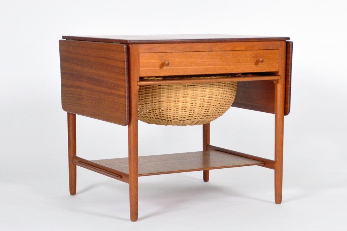 table de couture vintage par hans j wegner pour andreas. Black Bedroom Furniture Sets. Home Design Ideas