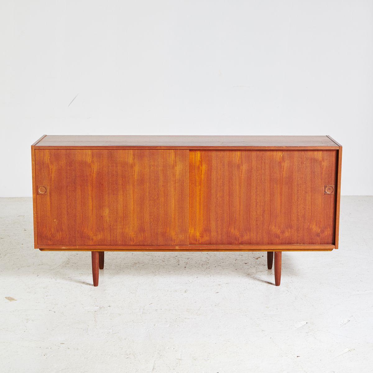 Kleines dänisches Mid-Century Sideboard, 1960er