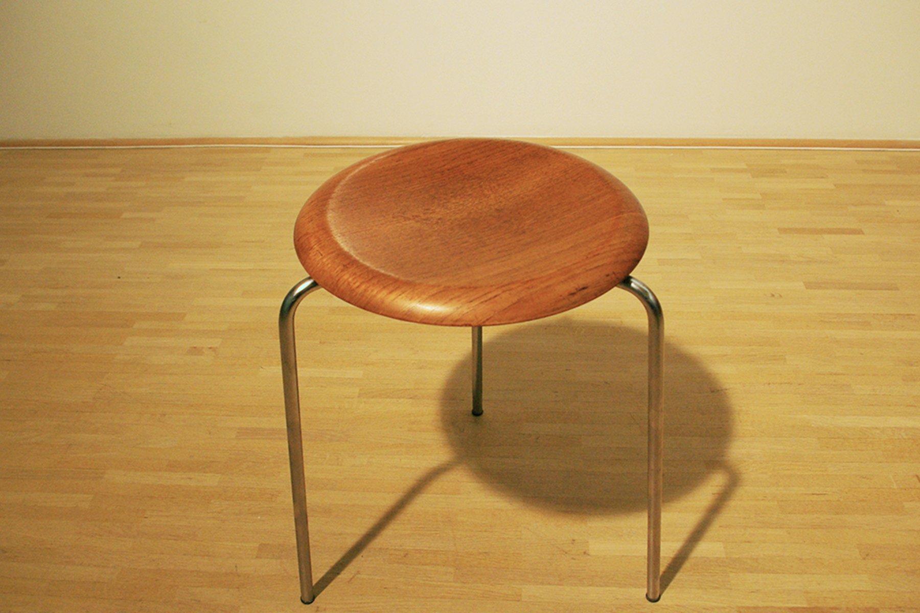 vintage modell 3170 dreibein hocker von arne jacobsen f r fritz hansen bei pamono kaufen. Black Bedroom Furniture Sets. Home Design Ideas